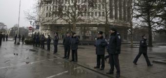 Вооруженные в униформе в Верховном Совете Крыма