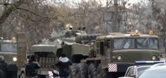 Видео. Николаев – 4 тягача с БМП, 2 ГАЗ 66 и 1 ЗИЛ 131 в Варваровке