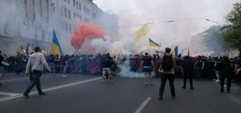 В Харькове Ультрас напали на Антимайдан. Видео