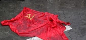 В Одессе вытерли ноги о флаг Победы. Видео