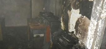 В Торезе неизвестные сожгли редакцию газеты. Видео