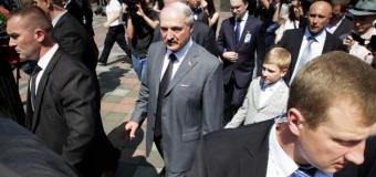 Лукашенко призвал украинцев уничтожать пророссийских боевиков. Видео