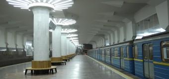 В метро Харькова против пророссийского мужчины ополчились все пассажиры. Видео