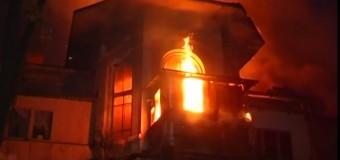 В Одессе горел санаторий, где разместились военные из Крыма. Видео
