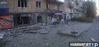 Донецк: Снаряды разорвались прямо на остановке. Фото