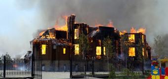 В Горловке сгорел храм. Видео