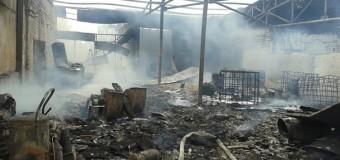 В Макеевке обстреляли нефтебазу. Фото