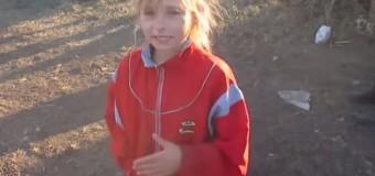 Детям и женщинам из Троицкого передают «привет от дяди Путина». Видео