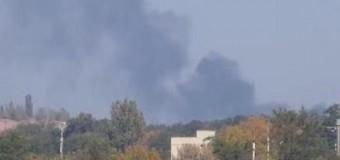 В районе донецкого аэропорта произошел взрыв и пожар. Видео