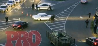 В Бердянске БРДМ помял Toyota. Видео