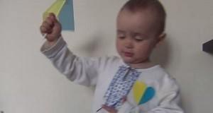Годовалый мальчик поет гимн Украины. Видео