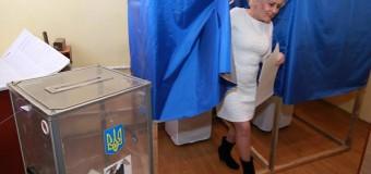 Экс-мэр Славянска Штепа «сногсшибала» своим платьем во время голосования в СИЗО. Фото
