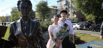 В Запорожье «ожили» герои фильма «Весна на Заречной улице». Фото