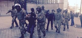В результате беспорядков под ВР задержано 25 человек. Фото