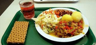 Как выглядят школьные обеды разных стран мира. Фото