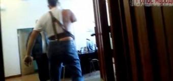 Я вас из окна выкину: Искалеченный ветеран АТО штурмует кабинет мэра Северодонецка. Видео