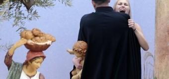 В Ватикане Femen устроила акцию после послания Папы Римского. Видео