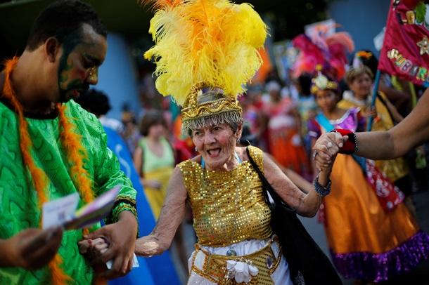 Карнавал в Бразилии: на улицах в Рио началось сумасшествие. Фото