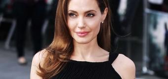 Анджелина Джоли закрутила роман с молодой актрисой