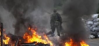 Обстрелы на Донбассе не утихают. Видео