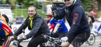 Кличко поучаствовал в киевском велопараде. Фото