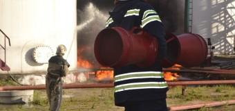 Под Киевом произошел мощный взрыв на нефтебазе: погибли пожарные. Видео