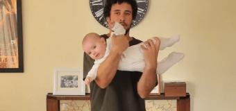 Сеть «взорвал» папа, который показывает, как держать ребенка. Видео