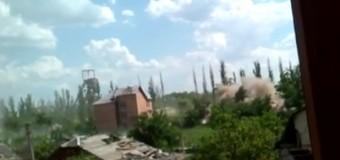 Бойцы АТО сняли на видео ожесточенный обстрел своих позиций в Песках