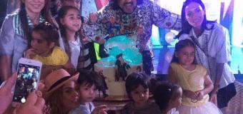 На день рождения сына Киркоров привез самолет игрушек. Фото