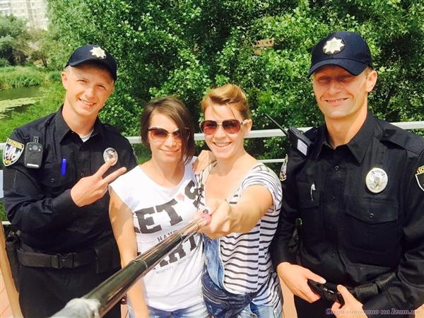 Правоохранители обнаружили в Одессе похищенные элитные автомобили, в том числе, внедорожник известного футболиста - Цензор.НЕТ 9013