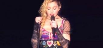 Мадонна искренне расплакалась на сцене из-за терактов в Париже. Видео