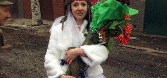 Невеста с гранатометом «взорвала» сеть. Фото