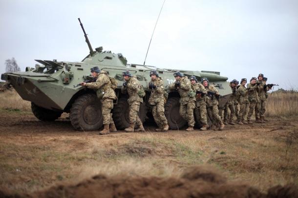 Как проходят учения военных под Мариуполем. Фото