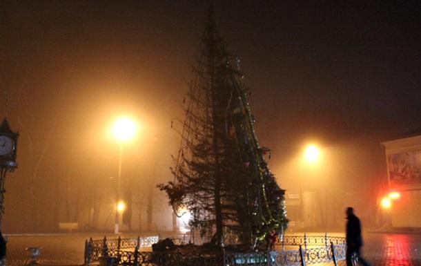 На Буковине дотла сгорела новогодняя елка. Видео | Твои ...: http://news-for.me/2015/12/22/e-na-bukovine-dotla-sgorela-novogodnyaya-elka-video/