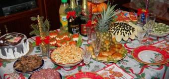 Хит сети: итальянцы в шоке от новогодней еды в России. Видео