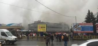 В Ужгороде горел универмаг. Видео