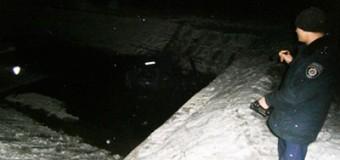 На Черниговщине ВАЗ упал в реку: есть жертвы. Фото