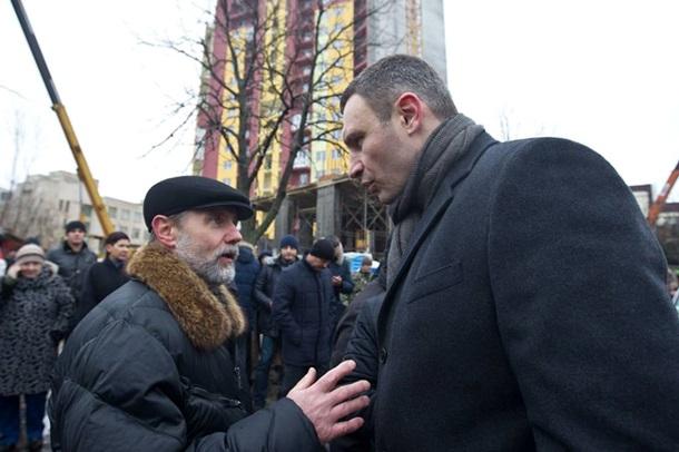 Кличко сносит незаконную многоэтажку в Киеве. Фото