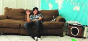 Видео, на котором кот издевается над хозяином, покорило сеть