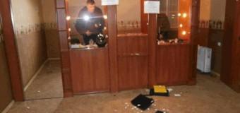В Николаеве трое мужчин ограбили ювелирный салон. Фото