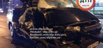 В Киеве пьяный водитель протаранил маршрутку