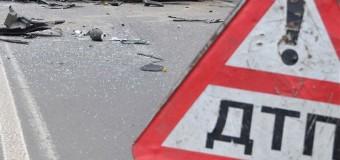 БТР оккупантов снес столб в Крыму. Фото