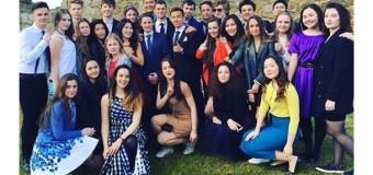 Дети Порошенко приняли участие в фотосессии для британского колледжа. Фото