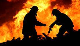 В Донецке сгорела мебельная фабрика