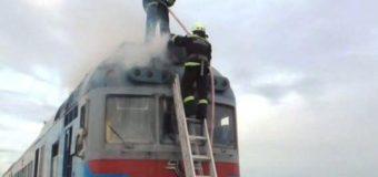 В Черкасской области на ходу загорелся поезд с пассажирами. Фото