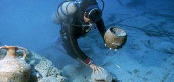 Водолазы обнаружили в Черном море загадочные находки