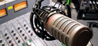 Украинские радиостанции будут «крутить» гимн два раза в день