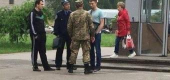 В Харькове забирают на службу в армию с улицы