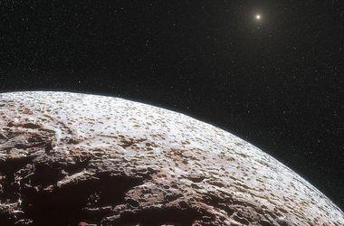 Над Плутоном зафиксировали странный светящийся объект. Фото