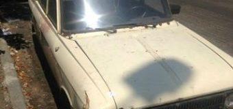 Киевские патрульные нашли Москвич, полный боеприпасов. Фото